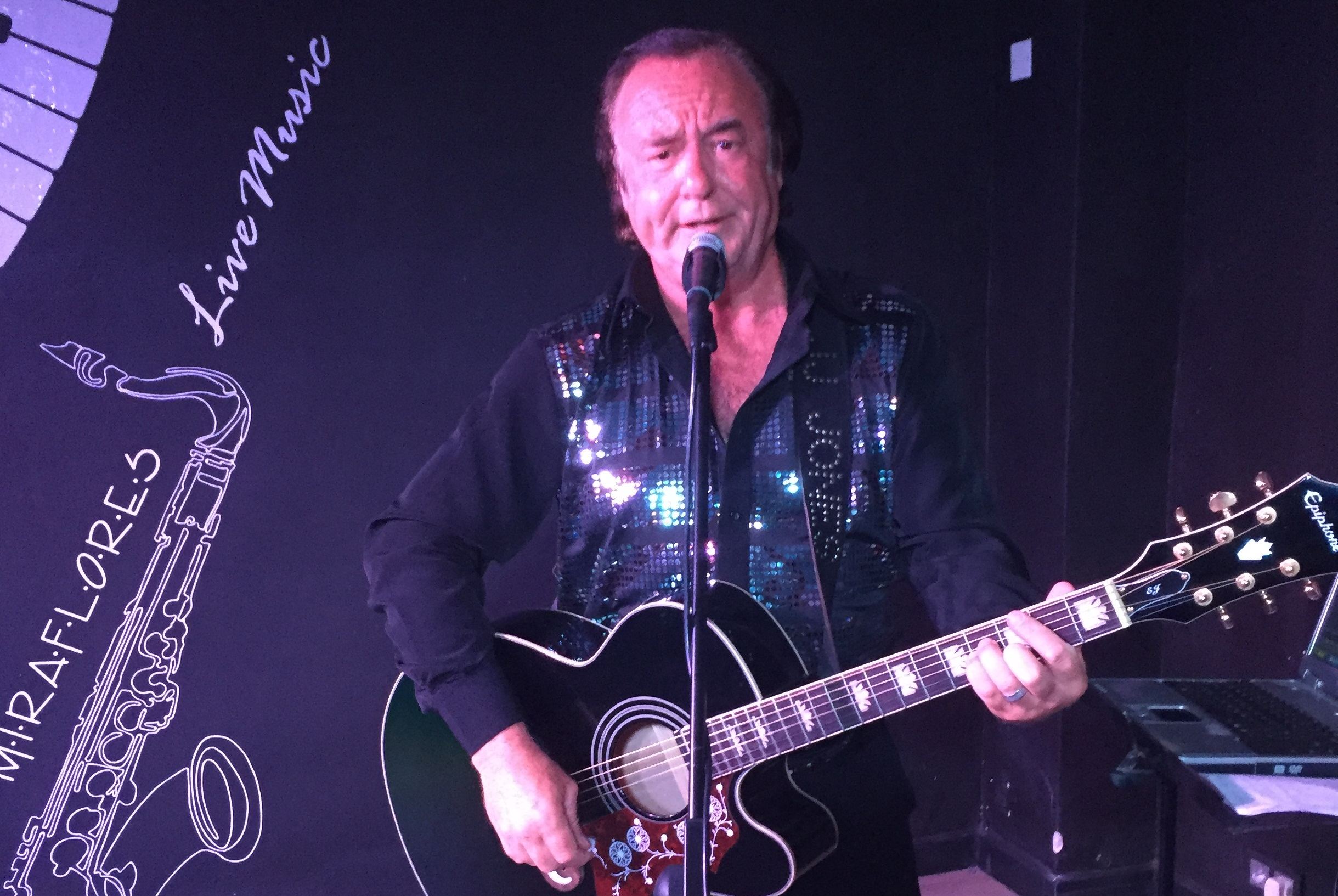 Spain's No.1 Neil Diamond tribute JJ Jones!